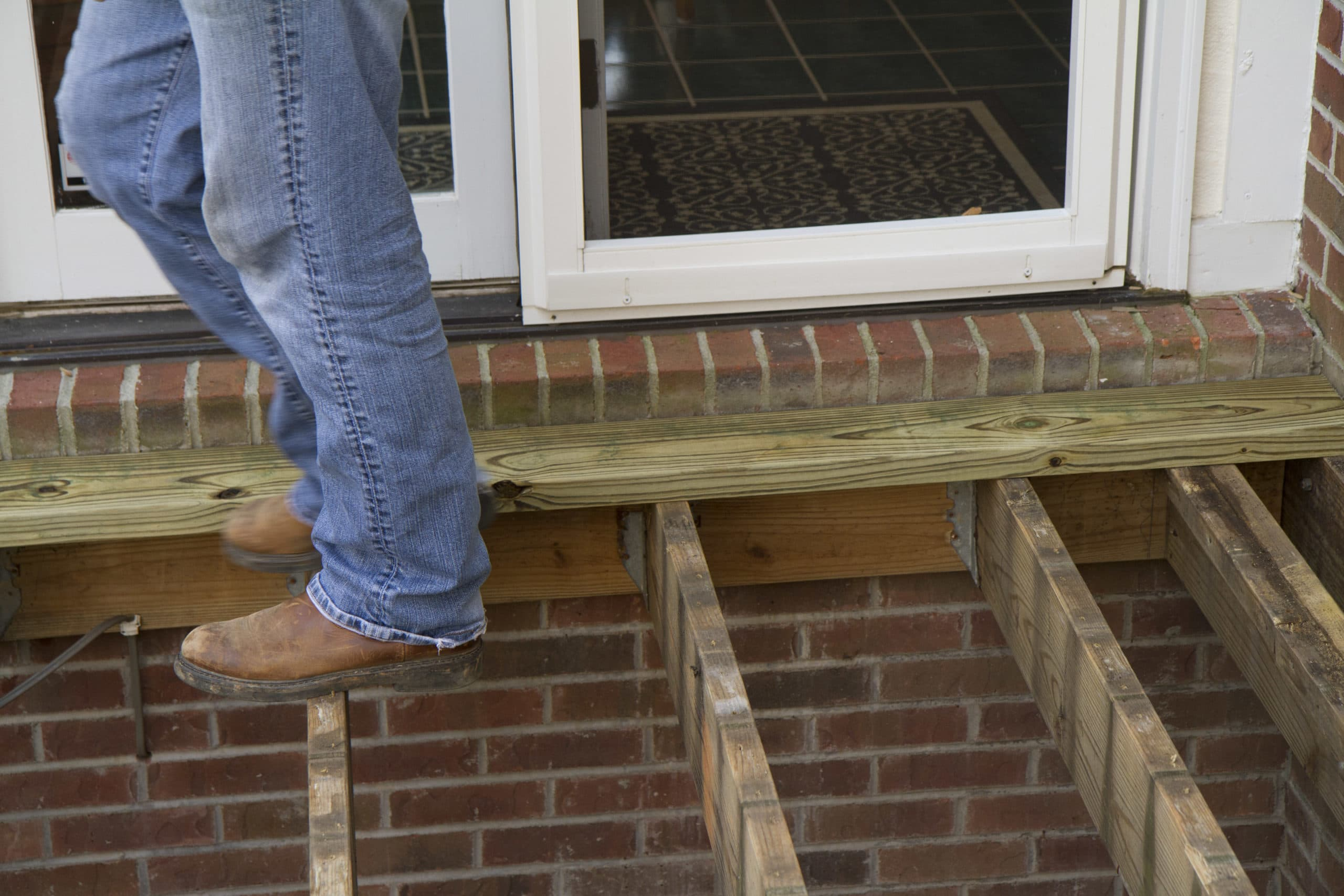 10 things to do when building a diy deck wood it 39 s real wood it 39 s real - Things consider installing balcony home ...