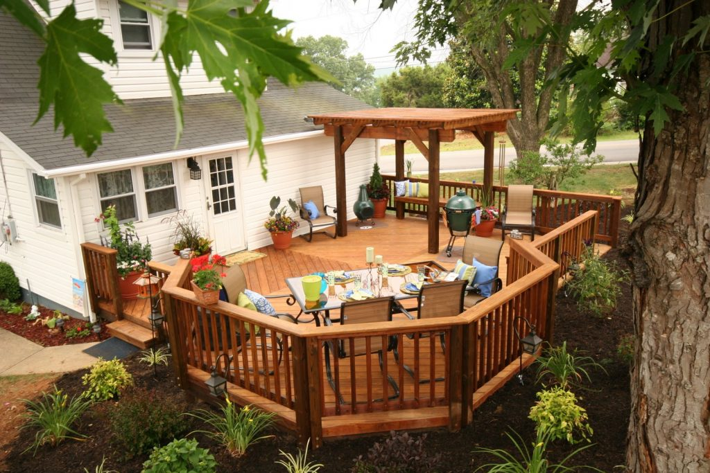 Southern Pine Octogon Deck and pergola8