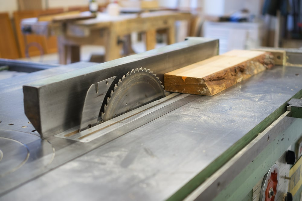 The type of saws to use when working with Southern Yellow Pine.