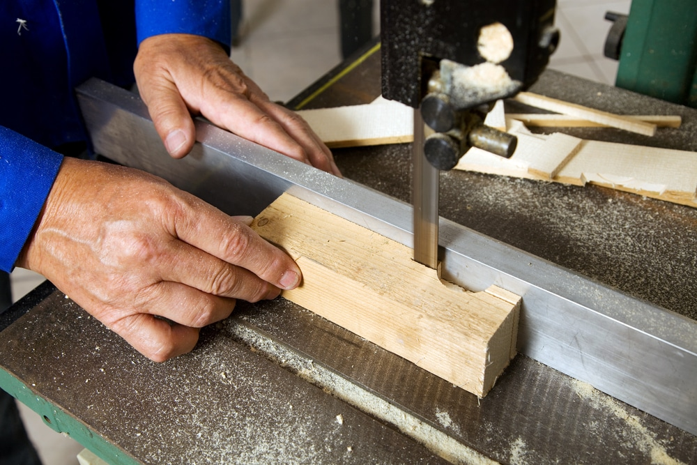 The types of saws to use when working with Southern Yellow Pine.
