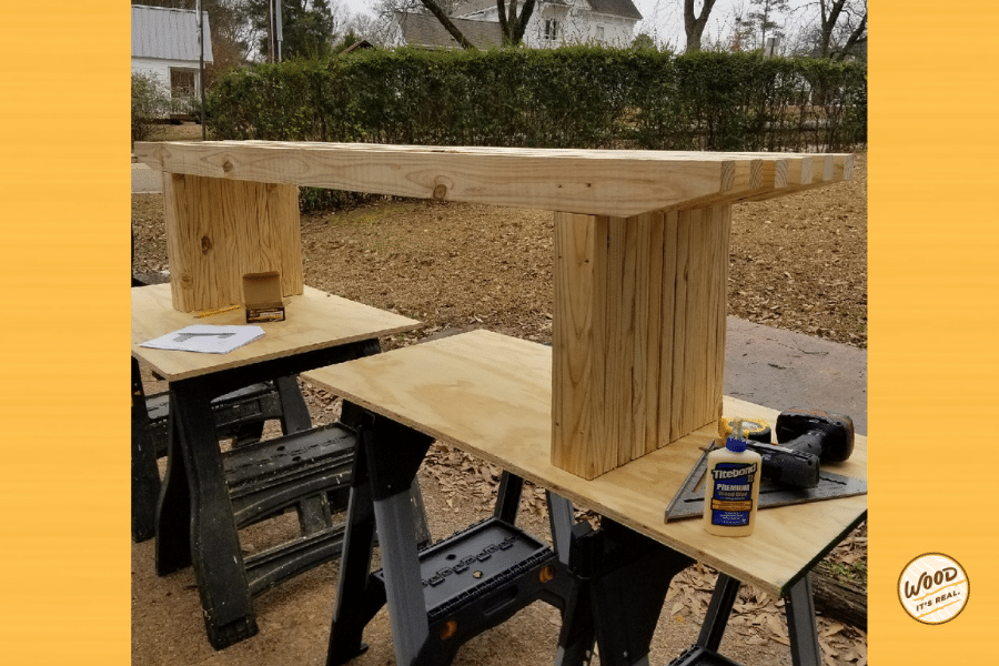 Here's a bench that is so simple yet striking. It's a modern bench made with pressure-treated Southern Yellow Pine. Check out the free building plans.